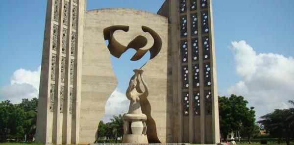 Monument de l'indépendance Togolais:de Souza le père
